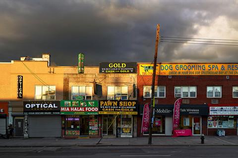Paul Graham, Pawn Shop, Ozone Park, New York, 2013
