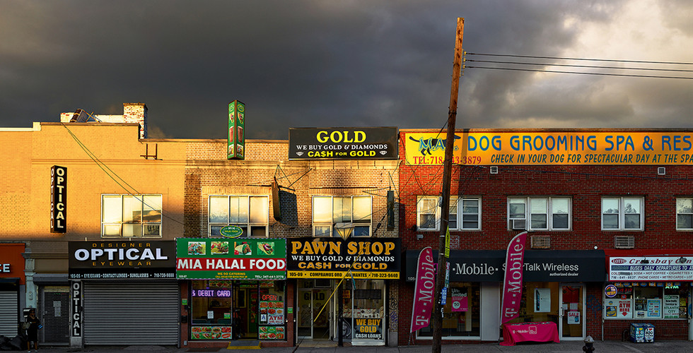 Paul Graham, Pawn Shop, Ozone Park, New York, 2013