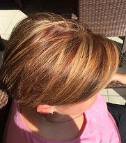 Nacher Bild kurz Haarschnitt