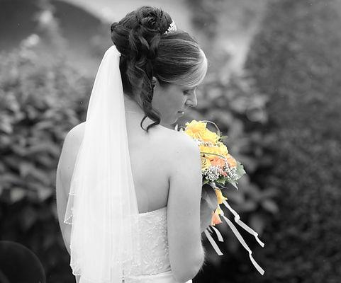 Larissa Schnait bietet ebenfalls ein Brautservice an für Ihren schönsten Tag