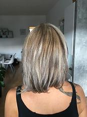 Nachher blond mit braun gesträhnt