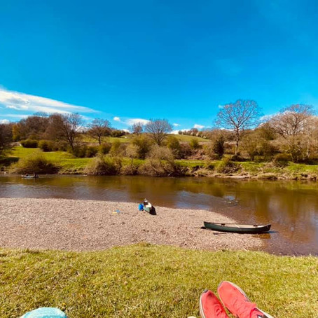 Hire a canoe on the River Severn and enjoy a picnic or pub lunch along the way...