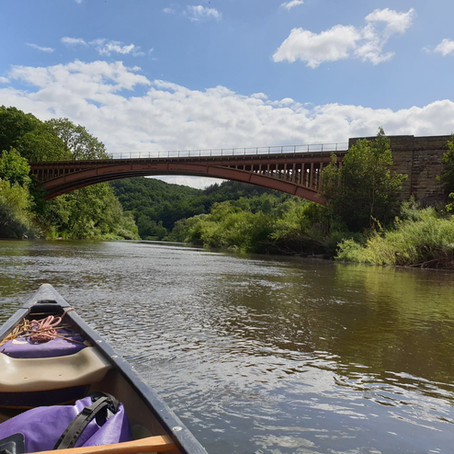 Why you should hire a canoe on the River Severn this summer!