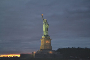 An Alien in Spain Visits - USA (New York City)