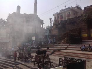 An Alien in Spain - Visits India (Varanasi)