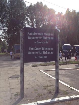 An Alien in Spain Visits - Poland ( Auschwitz-Birkenau)