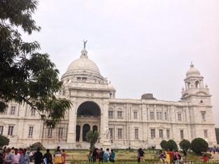 An Alien in Spain - Visits India (Kolkata)