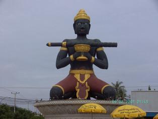 An Alien in Spain - Visits Cambodia (Battambang)
