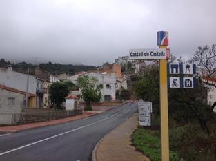 An Alien in Spain Visits - Spain ( Castell de Castells)