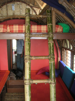 14Houseboat Attic.jpg