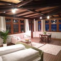 veranda_35580408395_o.jpg