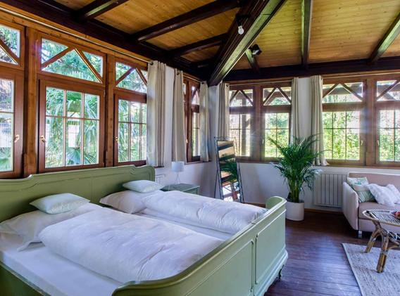 veranda_35450215461_o.jpg
