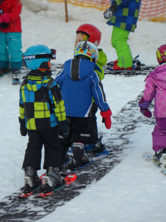 ski-lessons-590156_960_720.jpg