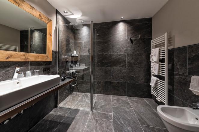 Kopie von Vinea Badezimmer.jpg