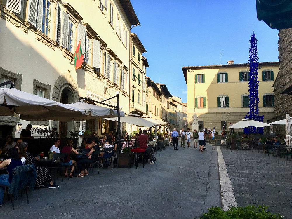 The lively Piazza San Francesco.
