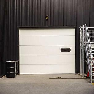 insulated-sectional-steel-door-model-200