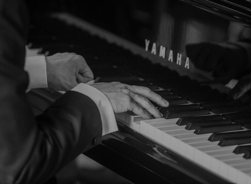 What is the fastest and easiest way to learn to play the piano?