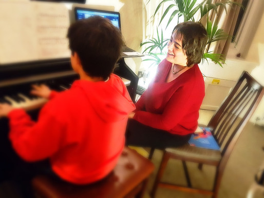 Is it compulsory to read notes to play the piano? Cant I just play by ears? Piano Lessons for Adults