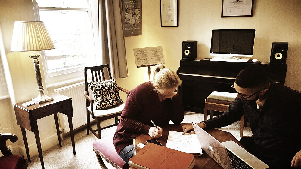 Adult piano lessons and the listening of Art Music