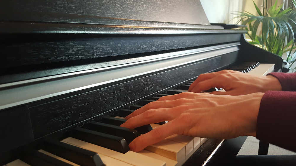 Piano lessons london WKMT