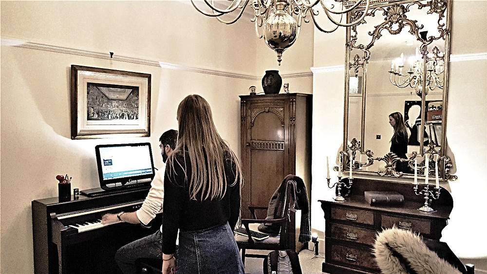 singing lessons London by WKMT