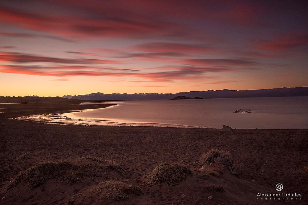 atardecer en el lago argentino