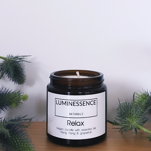 100 % Natural Vegan candle with 2 pure essential oils to help you Relax