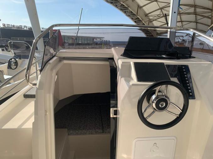poste de pilotage et cabine