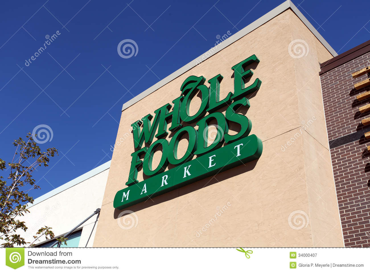 topo_whole-foods-market-sign-denver-co-inc-american-supermarket-chain-headquartered-austin-texas-now