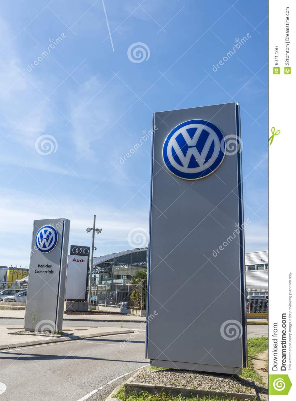topo_volkswagen-headquarters-barcelona-spain-october-largest-german-automaker-spain-60717387
