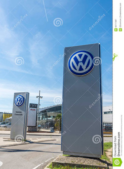 topo_volkswagen-headquarters-barcelona-spain-october-largest-german-automaker-spain-60717387