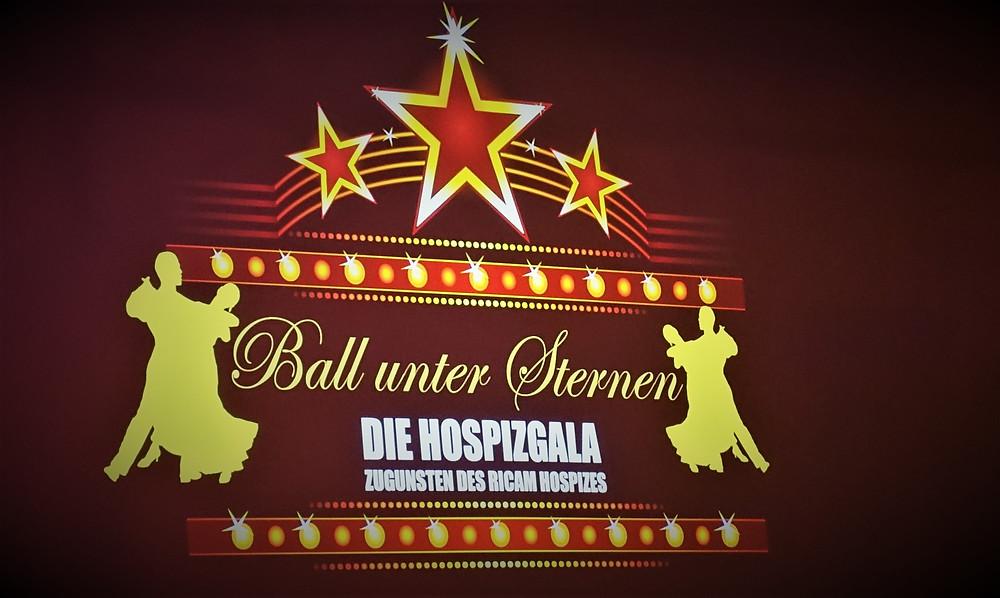 Übers Parkett schweben und dabei Gutes tun: Beim Ball unter Sternen im Estrel.
