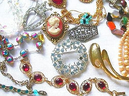 costume-jewelry-500x500_edited.jpg
