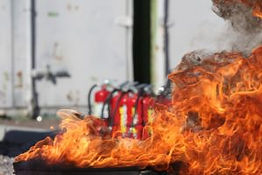 What-You-Can-And-Cant-Do-With-Fire-Extinguishers-300x200 (002).jpg