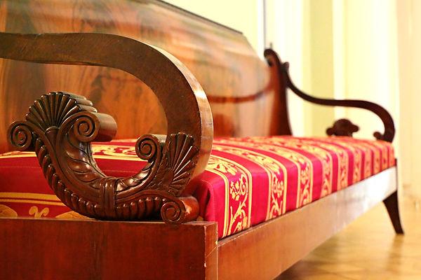 sofa-1603928.jpg