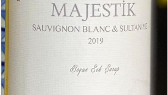Majestik Sauvignon Blanc/Sultaniye 2019 'A joyful party wine from Turkey.'