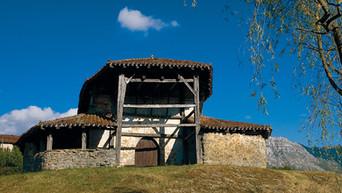 Edificios especiales en Orozko:  Santa María de Zaloa