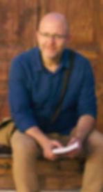 סופר צללים, ביוגרף, עורך גרפי