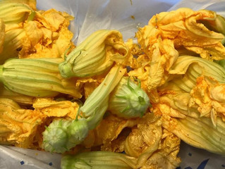 Woke up early so it's the weekend of the zucchini blossom