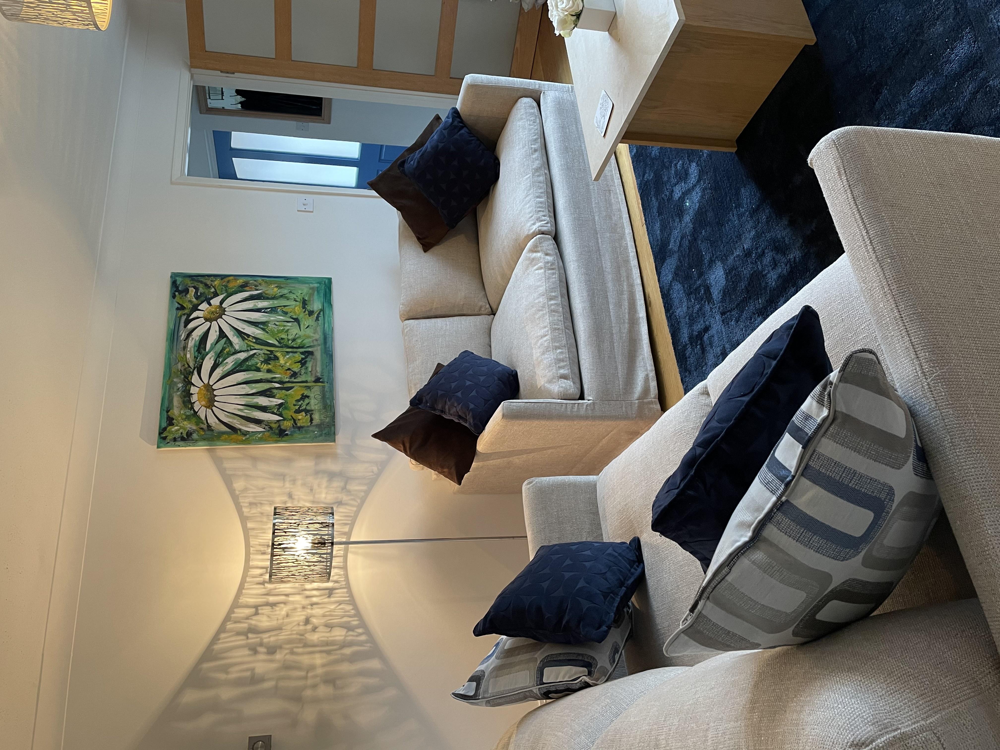 IMG_4681.jpg house lounge
