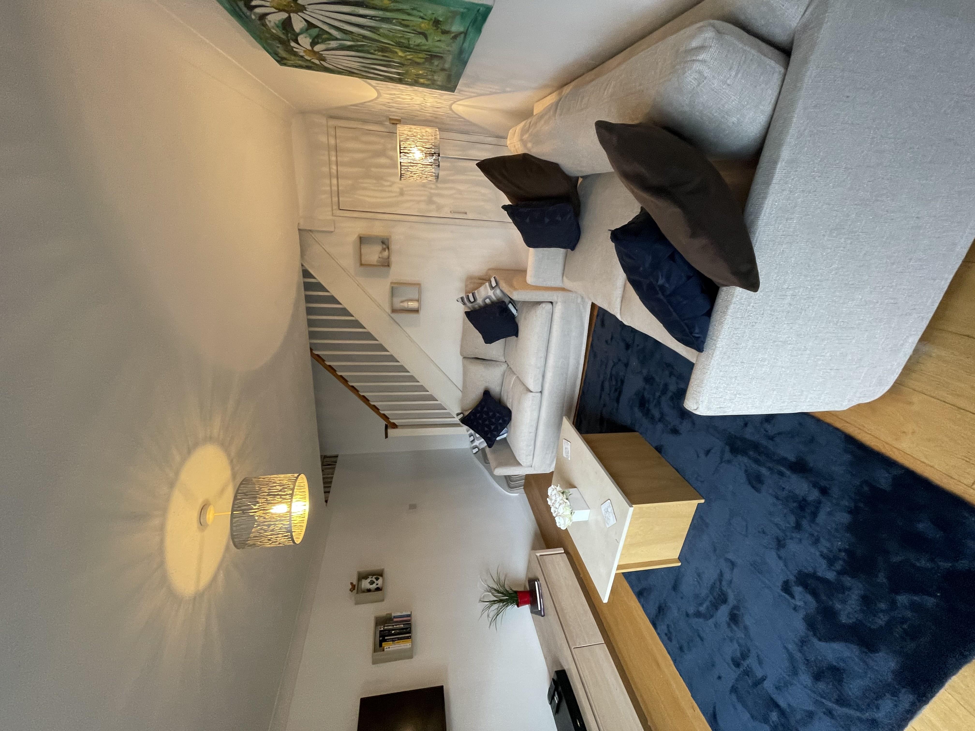 IMG_4679.jpg house lounge