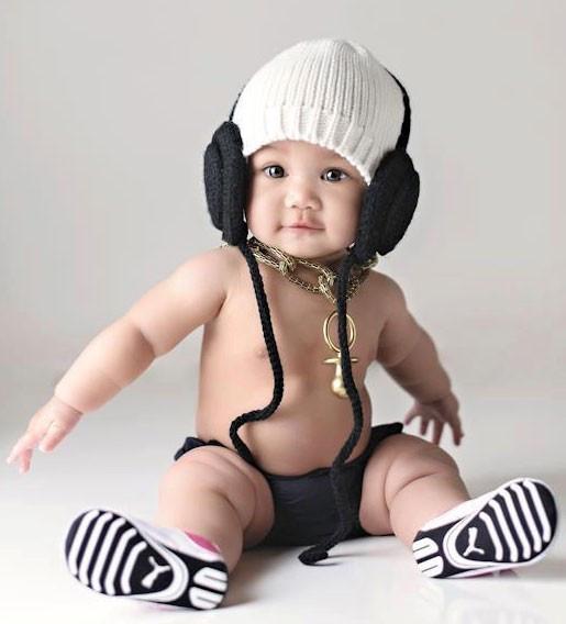 trumpette-headphone-hat-black-white.jpg