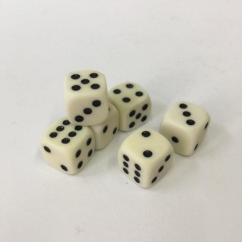zes 6 wit witte dobbelstenen