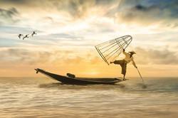 fisherman-2739115__340