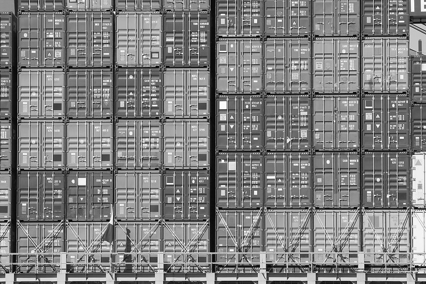 Freight%20Shipping%20Containers_edited.jpg