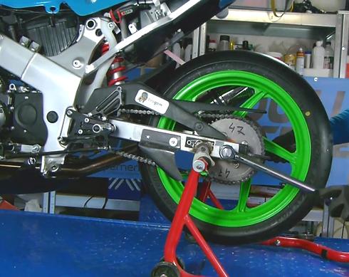 montage-pneu-moto.png