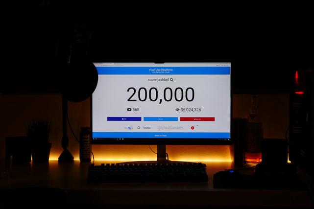 200.000 ISCRITTI!