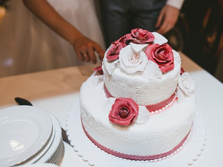 Here's What Your Wedding Cake Says About You