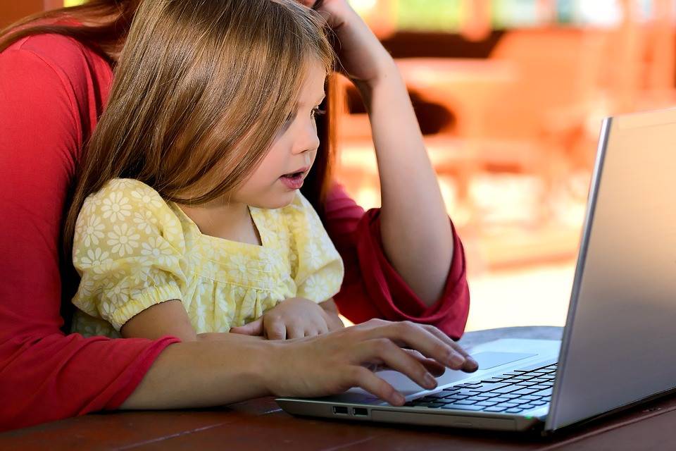 Child Internet Safety And Your Responsibilities