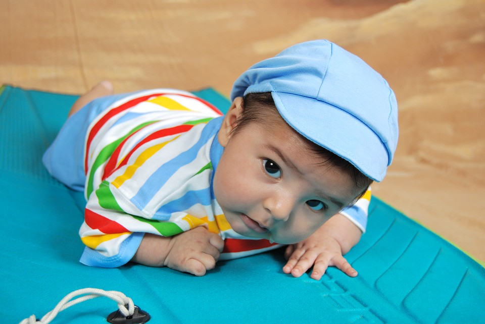 When Babies Start Moving - The Crawling Stage
